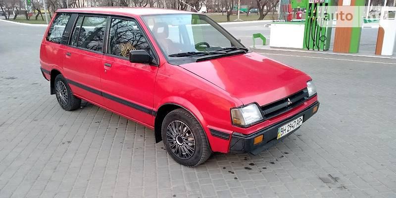 Mitsubishi Space Wagon 1989 года в Одессе