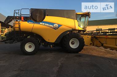 New Holland CR 2015 в Володарці