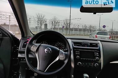 Седан Nissan Altima 2015 в Львові