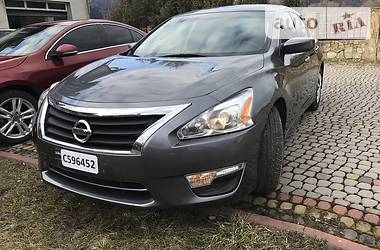 Седан Nissan Altima 2015 в Сколе