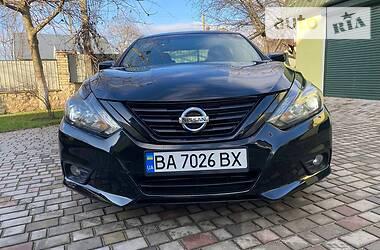 Седан Nissan Altima 2016 в Кропивницькому