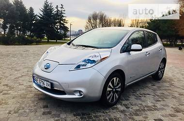 Nissan Leaf SL (30KWH) BOSE