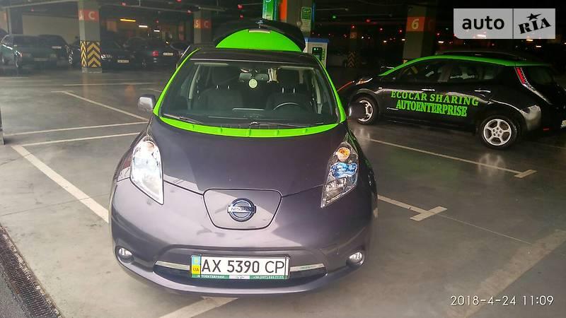 Nissan Leaf 2013 года