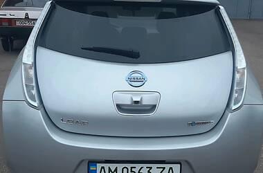 Седан Nissan Leaf 2013 в Житомирі