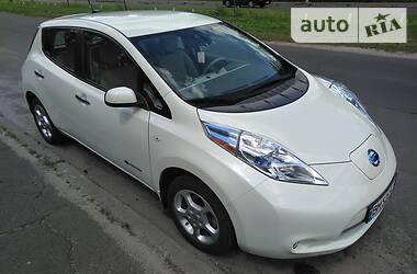 Лифтбек Nissan Leaf 2012 в Киеве