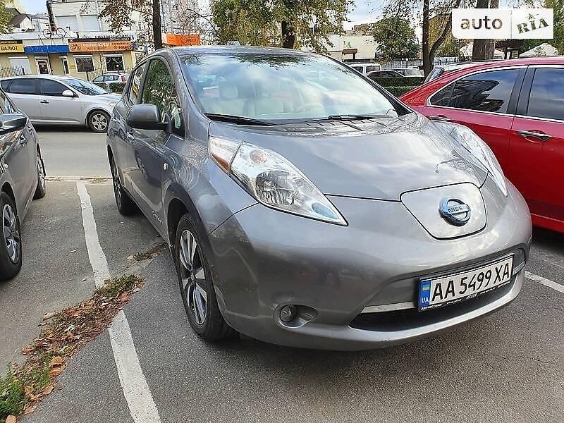 Хэтчбек Nissan Leaf 2016 в Киеве