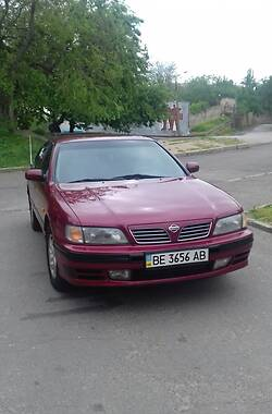 Седан Nissan Maxima 1996 в Николаеве
