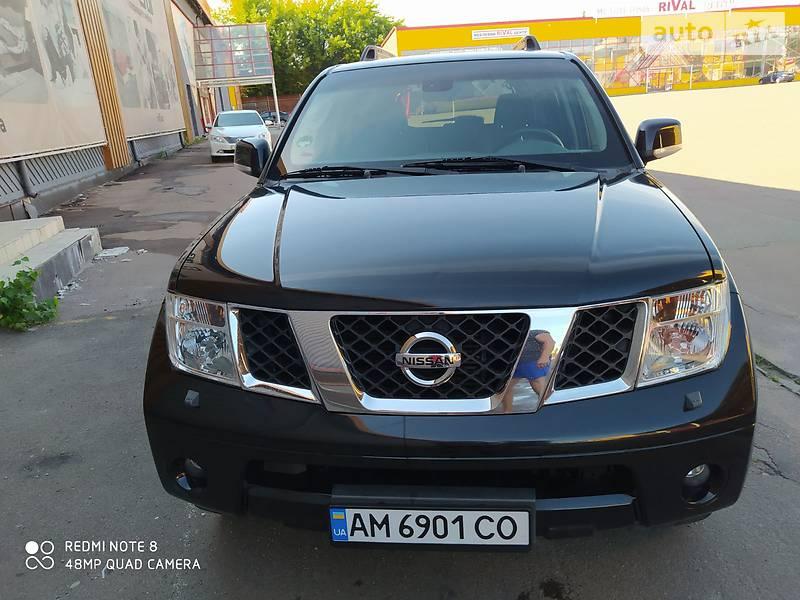 Позашляховик / Кросовер Nissan Pathfinder 2010 в Житомирі