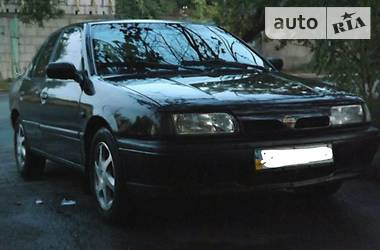 Nissan Primera P10 1991
