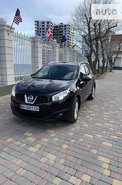 Nissan Qashqai+2 2013 в Одессе