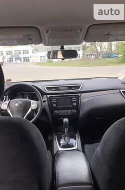 Внедорожник / Кроссовер Nissan Rogue 2016 в Краматорске