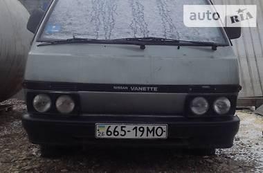 Nissan Vanette пасс. 1989 в Черновцах