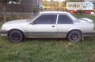 Opel Ascona 1988 в Черновцах
