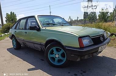 Opel Ascona 1986 в Новой Каховке