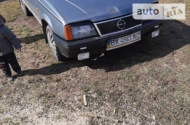 Седан Opel Ascona 1986 в Хмельнике