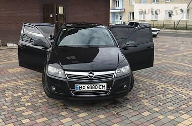 Хэтчбек Opel Astra H 2012 в Деражне