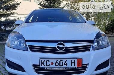 Opel Astra H 2009 в Сваляве