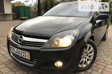 Унiверсал Opel Astra H 2008 в Івано-Франківську