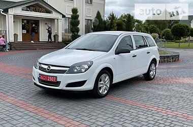 Универсал Opel Astra H 2011 в Луцке