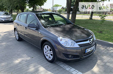 Хэтчбек Opel Astra H 2009 в Коломые