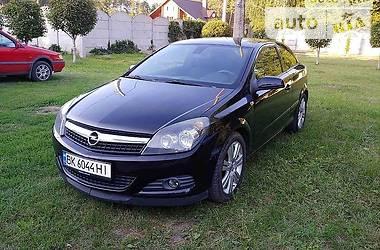 Купе Opel Astra H 2009 в Ровно