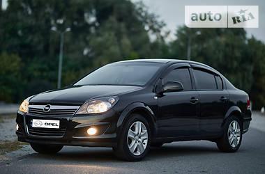 Седан Opel Astra H 2013 в Днепре