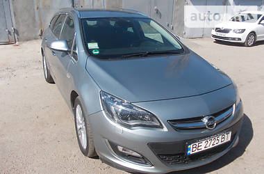 Opel Astra J Sports Tourer Innova