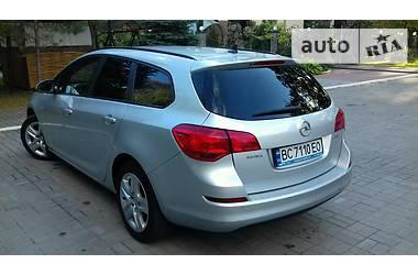 Opel Astra J 2011