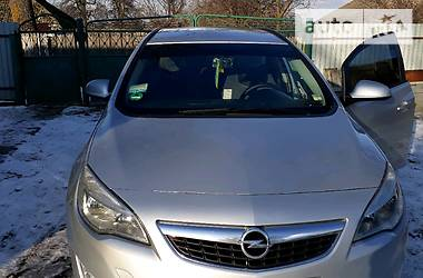 Opel Astra J 2011 в Бродах