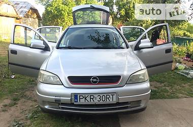 Opel Astra J 2001