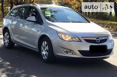 Opel Astra J 2011 в Владимир-Волынском