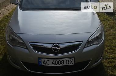 Хэтчбек Opel Astra J 2011 в Любомле