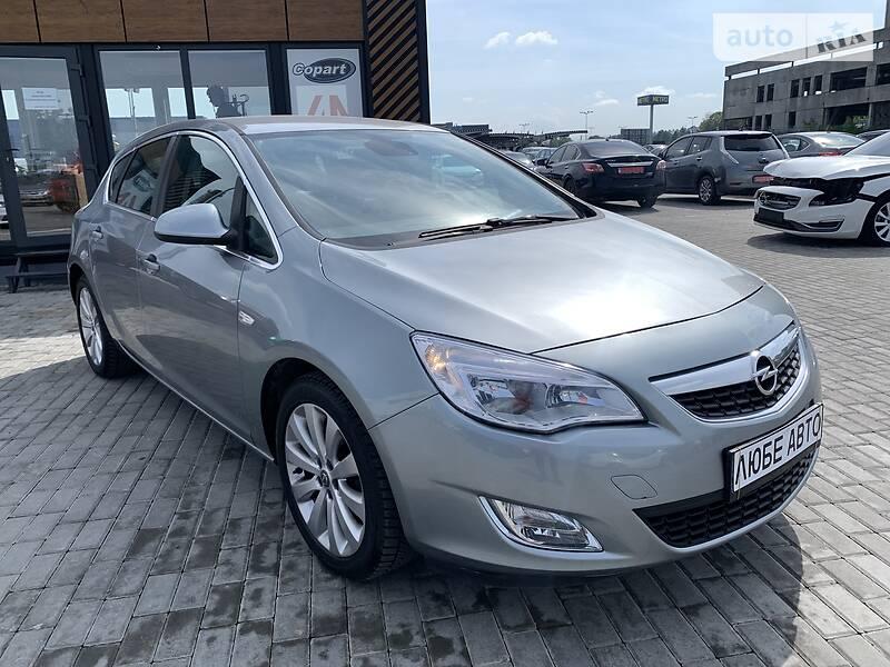 Opel Astra J