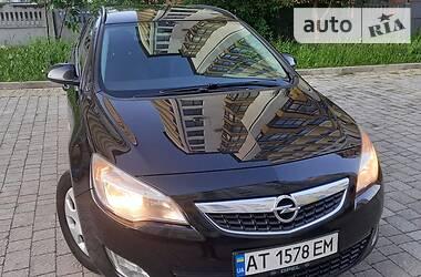 Универсал Opel Astra J 2011 в Ивано-Франковске