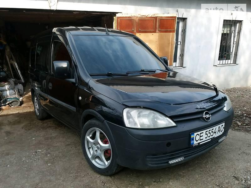 Opel Combo пасс. 2004 року в Чернівцях