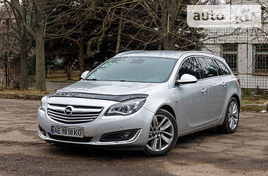 Opel Insignia Sports Tourer 2013 в Кривом Роге