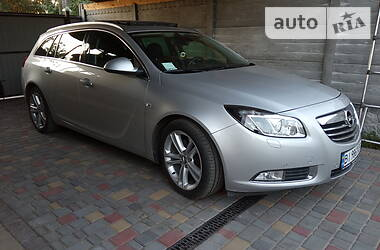 Opel Insignia Sports Tourer 2013 в Глобине