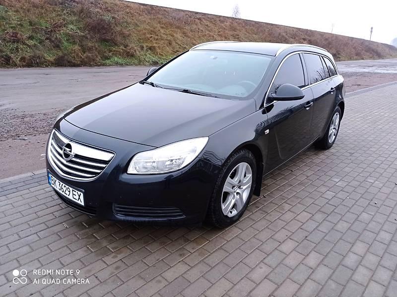 Opel Insignia 2012 в Рокитном
