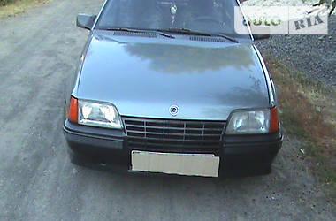 Opel Kadett 1988 в Городище