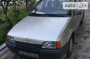 Opel Kadett 1988 в Шепетовке