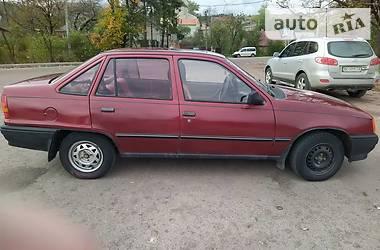 Opel Kadett 1988 в Золочеве