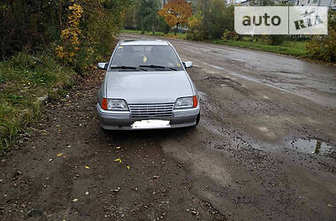 Opel Kadett 1986 в Калуше