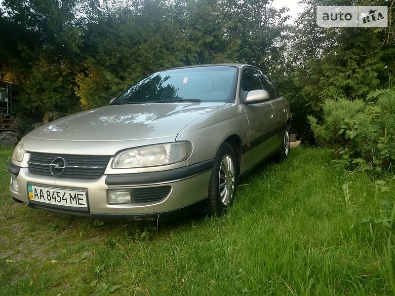 Седан Opel Omega 1996 в Долині