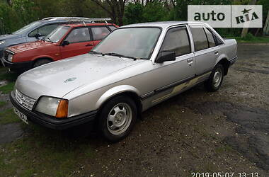 Opel Rekord 1986 в Золочеве