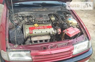Седан Opel Vectra A 1990 в Голой Пристани
