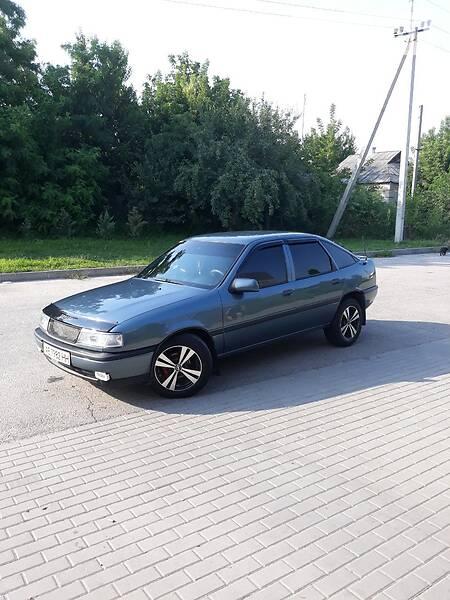 Хэтчбек Opel Vectra A 1990 в Павлограде