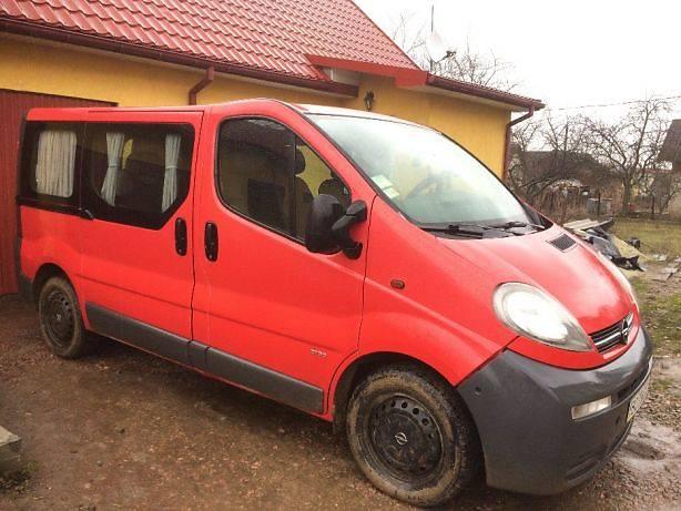 Opel Vivaro пасс. 2003 в Дрогобичі
