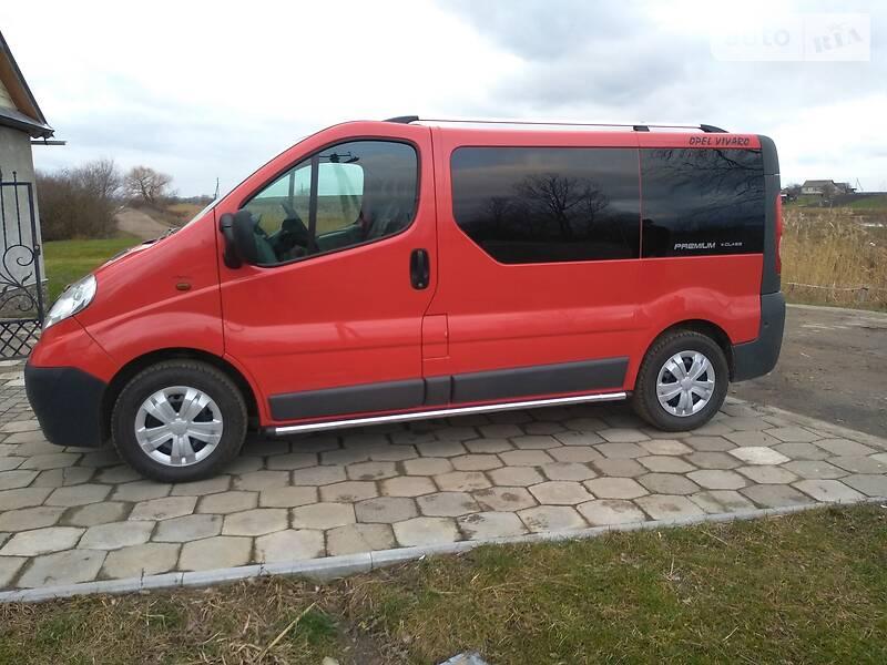 Opel Vivaro пасс. 2012 в Луцке