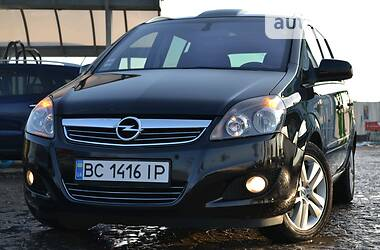 Opel Zafira 2011 в Золочеве