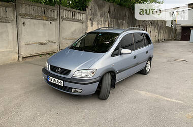 Минивэн Opel Zafira 2000 в Виннице